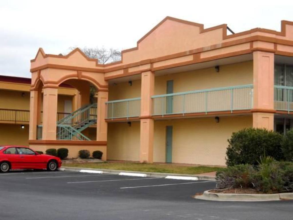 Scottish Inn Savannah in Savannah (GA) - Room Deals, Photos & Reviews