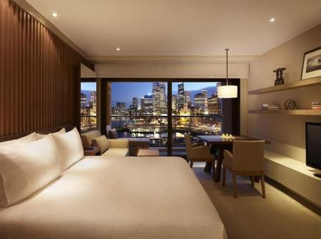 1 King Bed Harbor View Park Hyatt Sydney