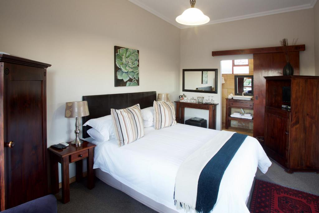 Standard - Queen Room Sea Whisper Guest House & Self Catering