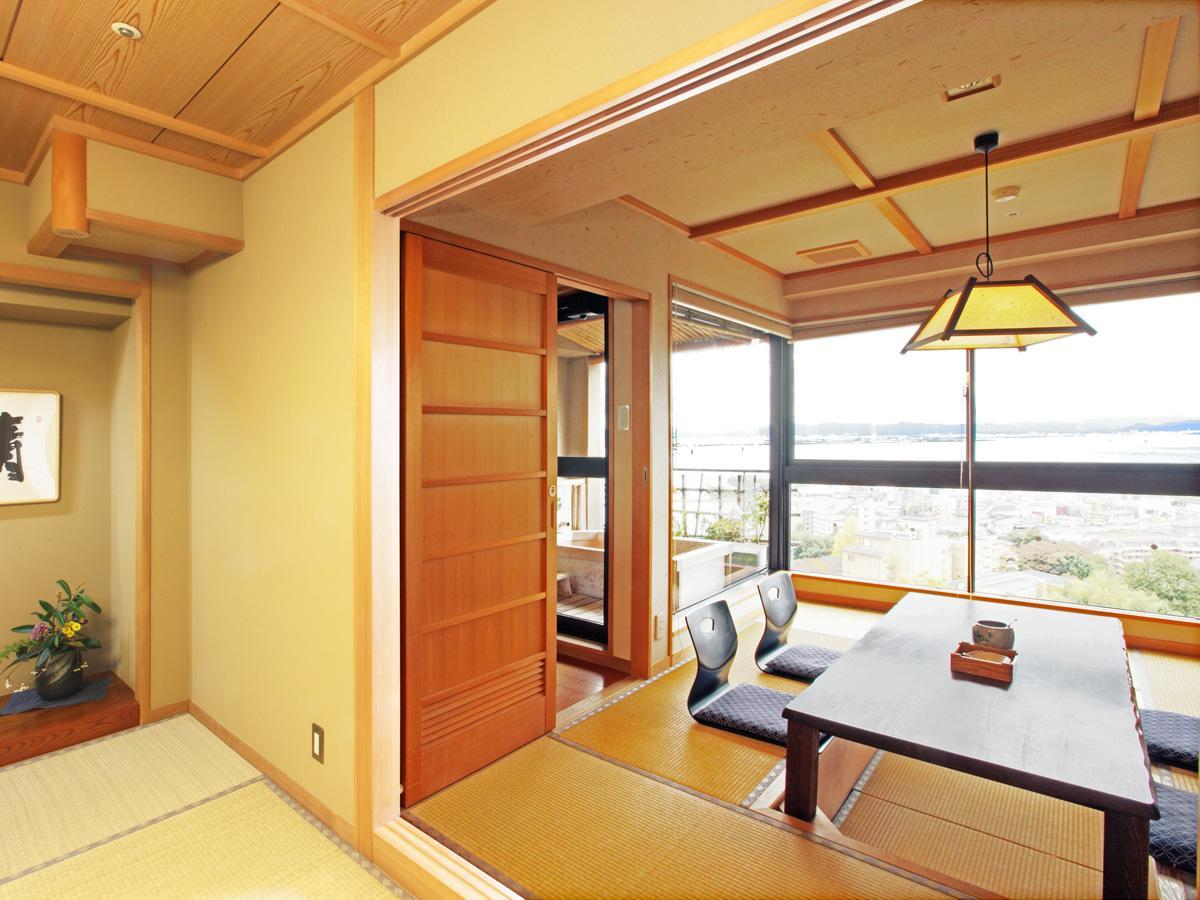 Deluxe Japanese Style Room for 5 People with Open-Air Bathtub