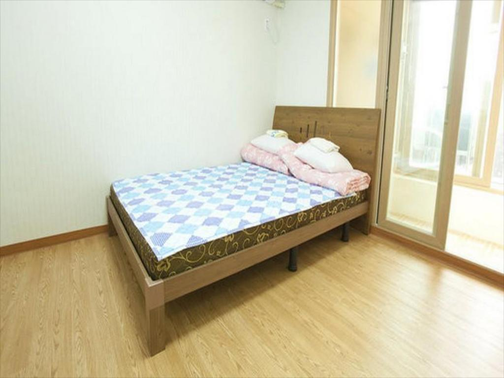 Double Room - Bed Twin Rabbit Hostel