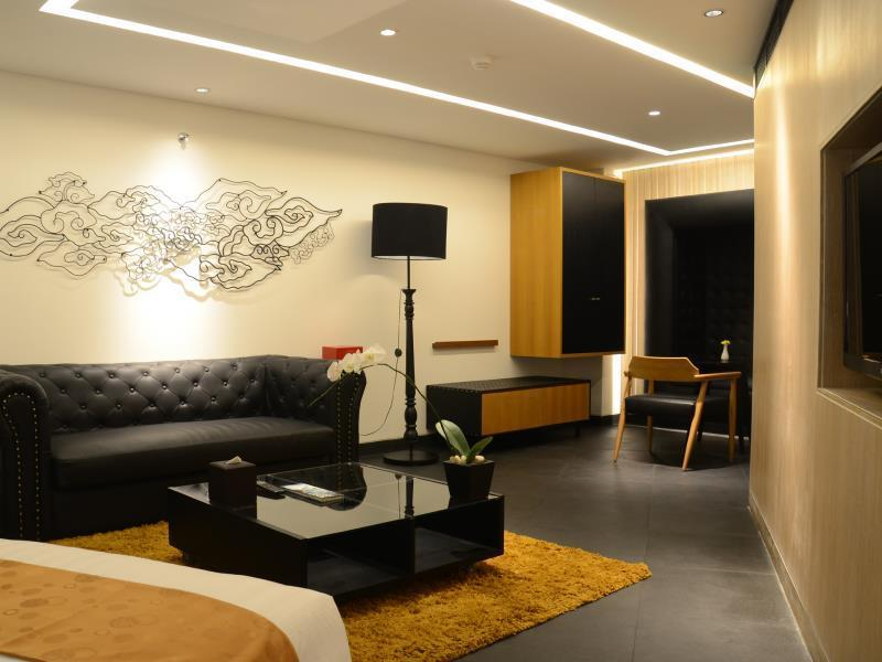 Kamar Suite dengan Balkon (Suite Room with Balcony)