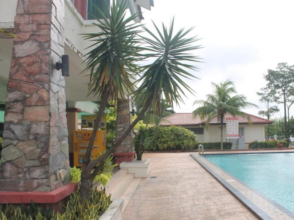 Swimmingpool Nusa Perdana Apartment