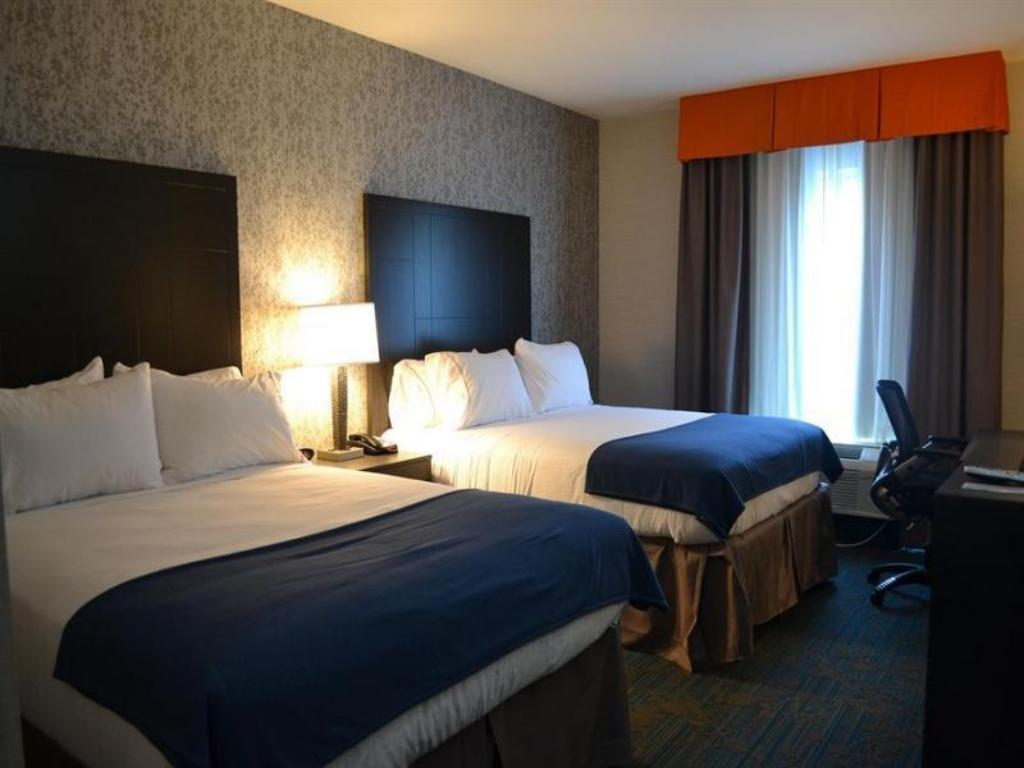 See all 27 photos Holiday Inn Express Hotel & Suites Knoxville
