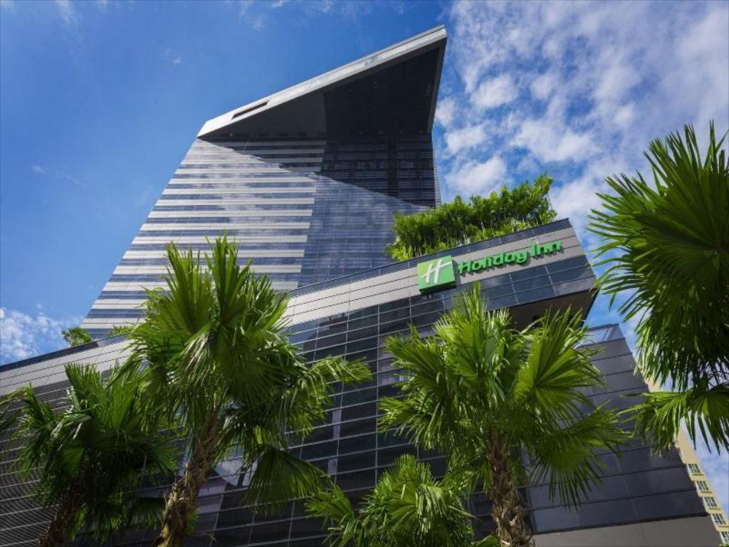 More about Holiday Inn Bangkok Sukhumvit