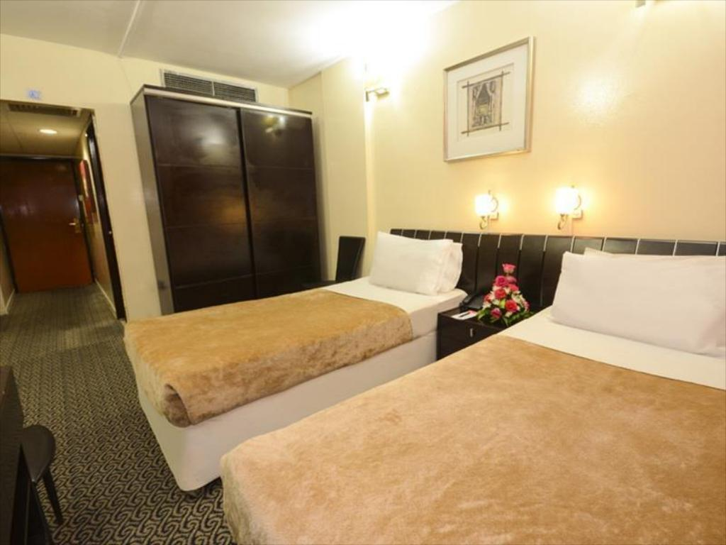 Triple Room Royal Prince Hotel