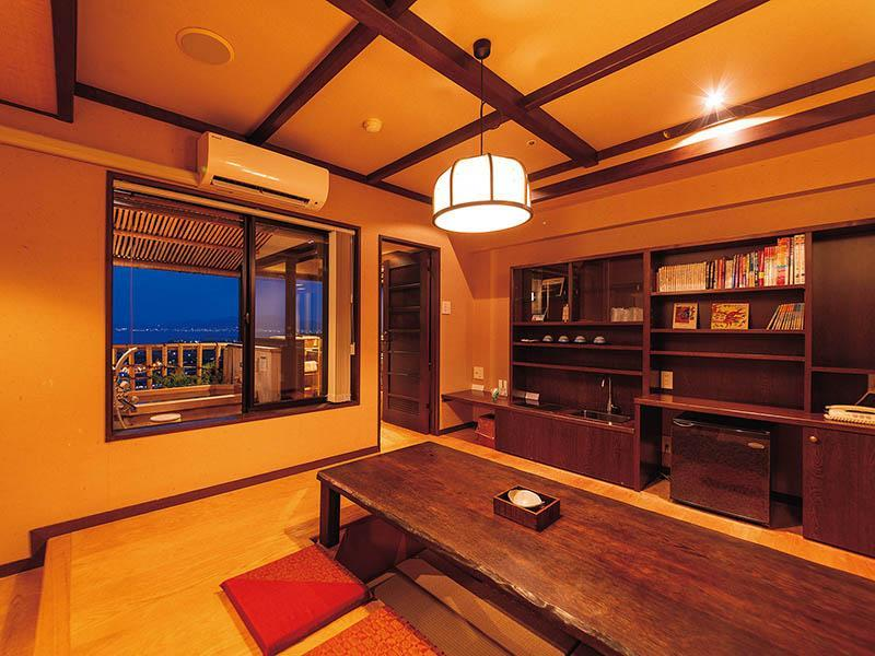 Luxury Japanese Western Style Suite for 8 People with Open-Air Bathtub