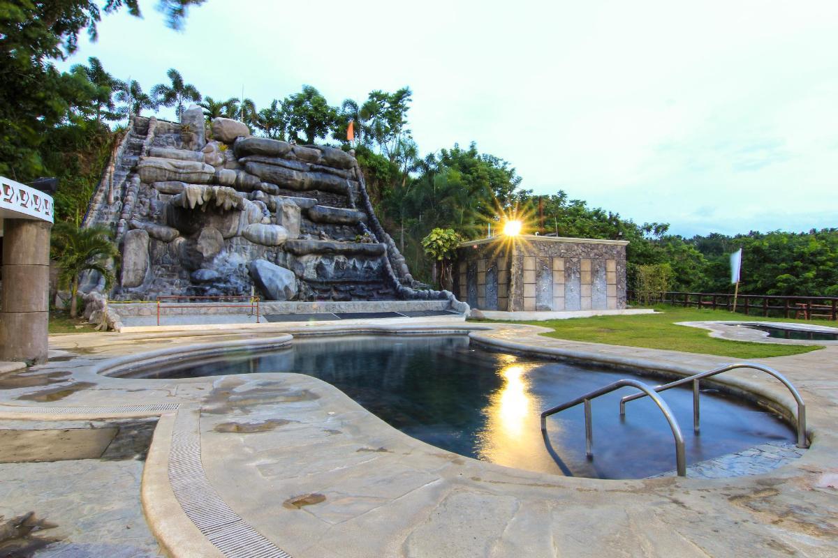 Sol Y Viento Mountain Hot Springs Resort In Laguna Room
