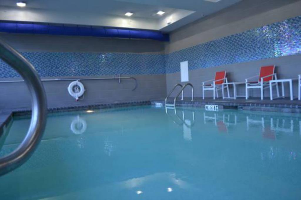 Swimming pool Holiday Inn Express Hotel & Suites Knoxville