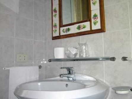 Habitació Doble amb bany privat extern (Double Room With Private External Bathroom)