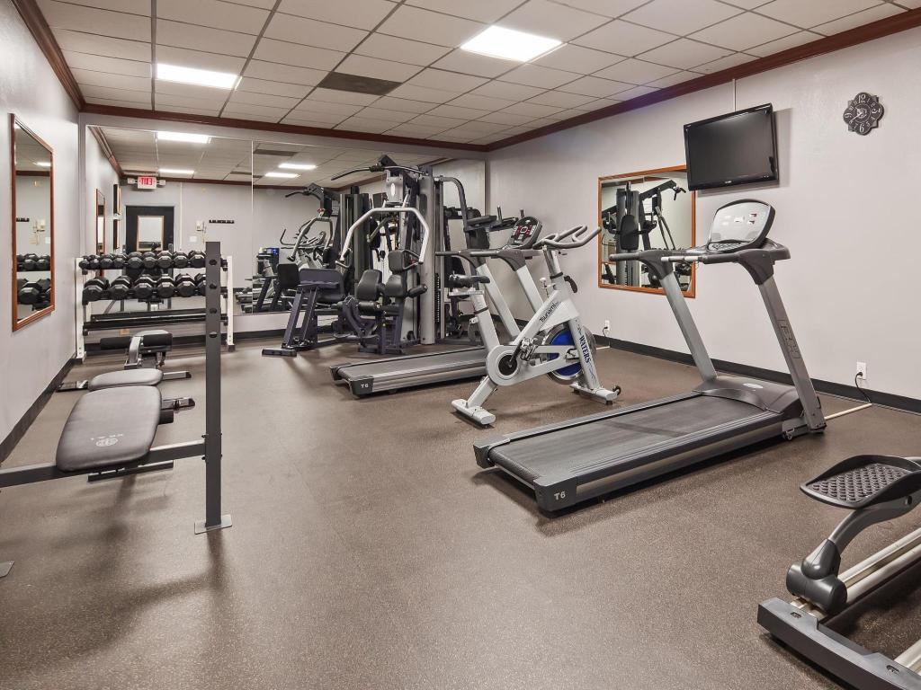 Fitness center Best Western Plus Music Row