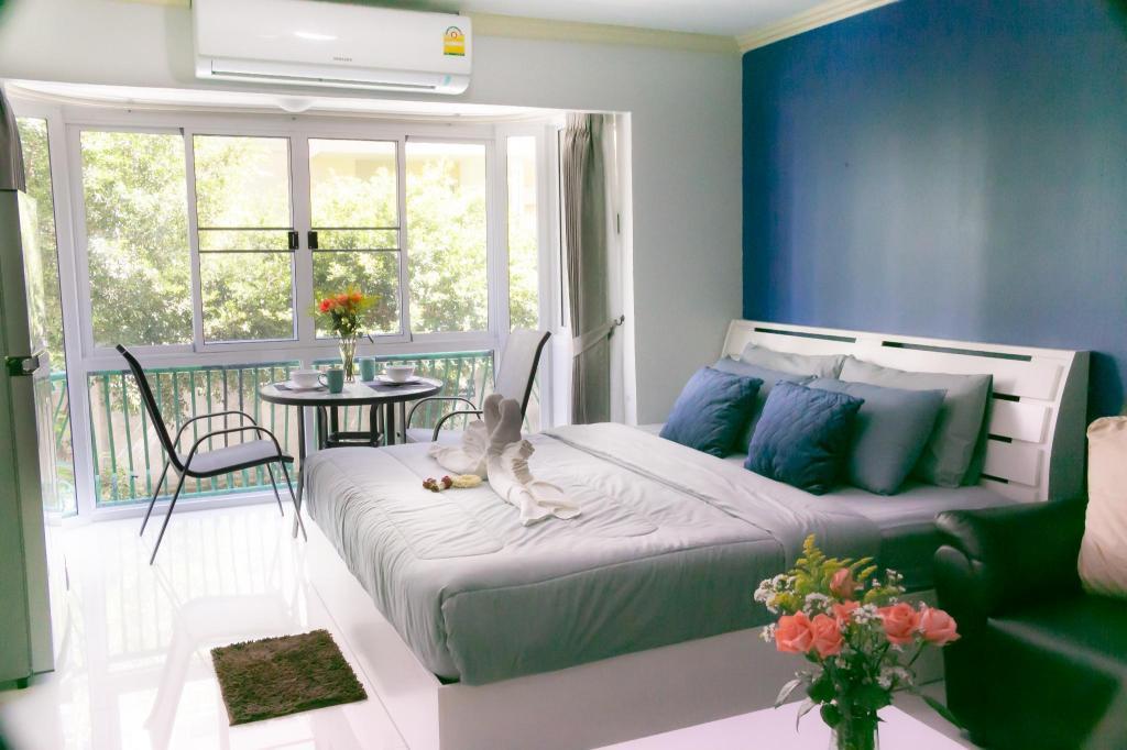 Beautiful Modern Condo Nimman Road Great Location Apartment