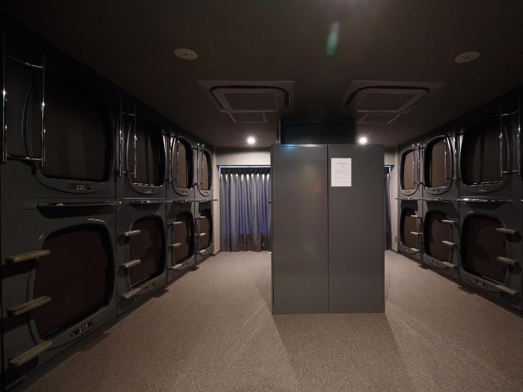 Capsule - Male Only - Hallway/Corridor/Stairway Capsule Hotel&Spa The Nell