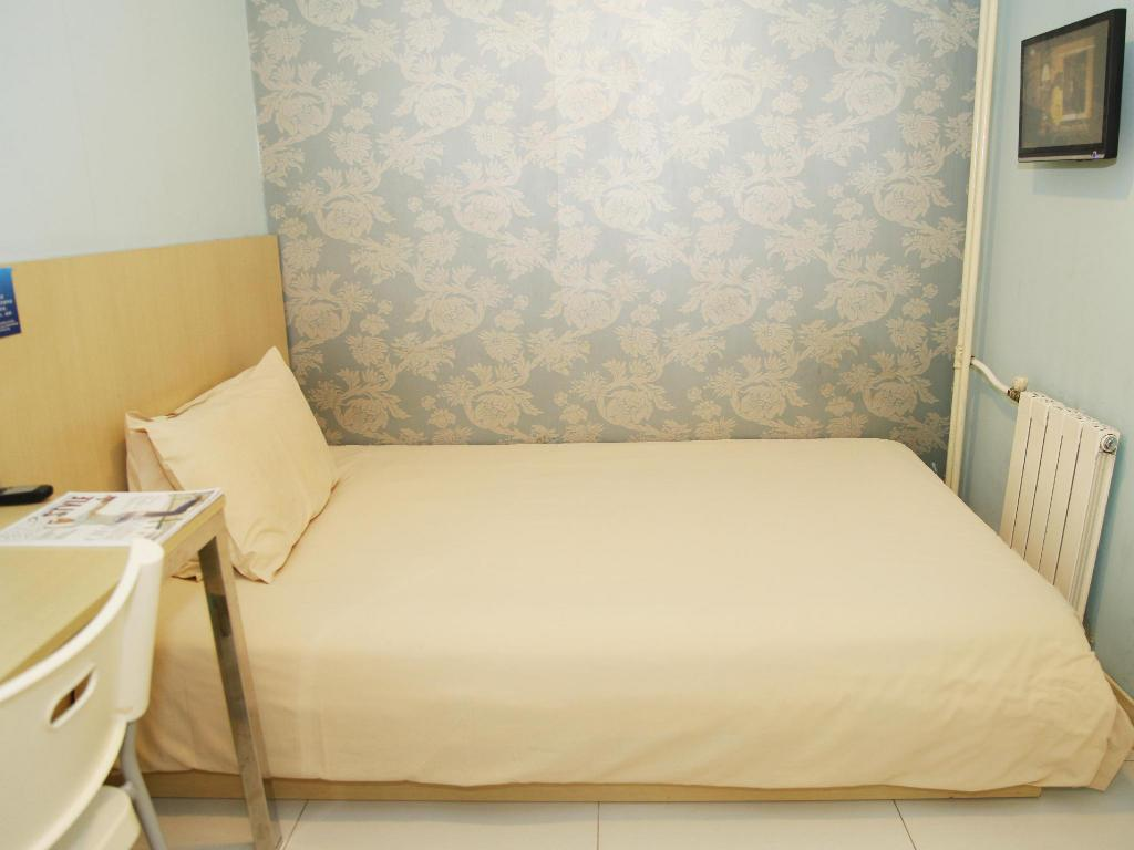 No Window Double Bed