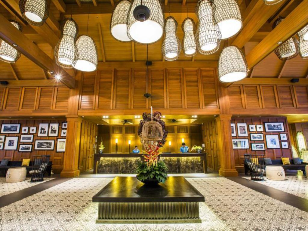 Lobby Outrigger Laguna Phuket Beach Resort