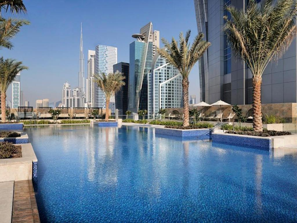 Swimmingpool JW Marriott Marquis Dubai Hotel