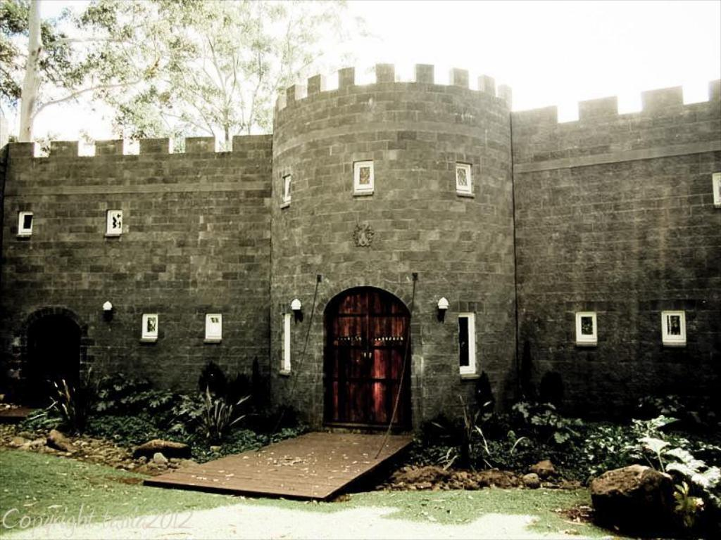Exterior view The Castle On Tamborine