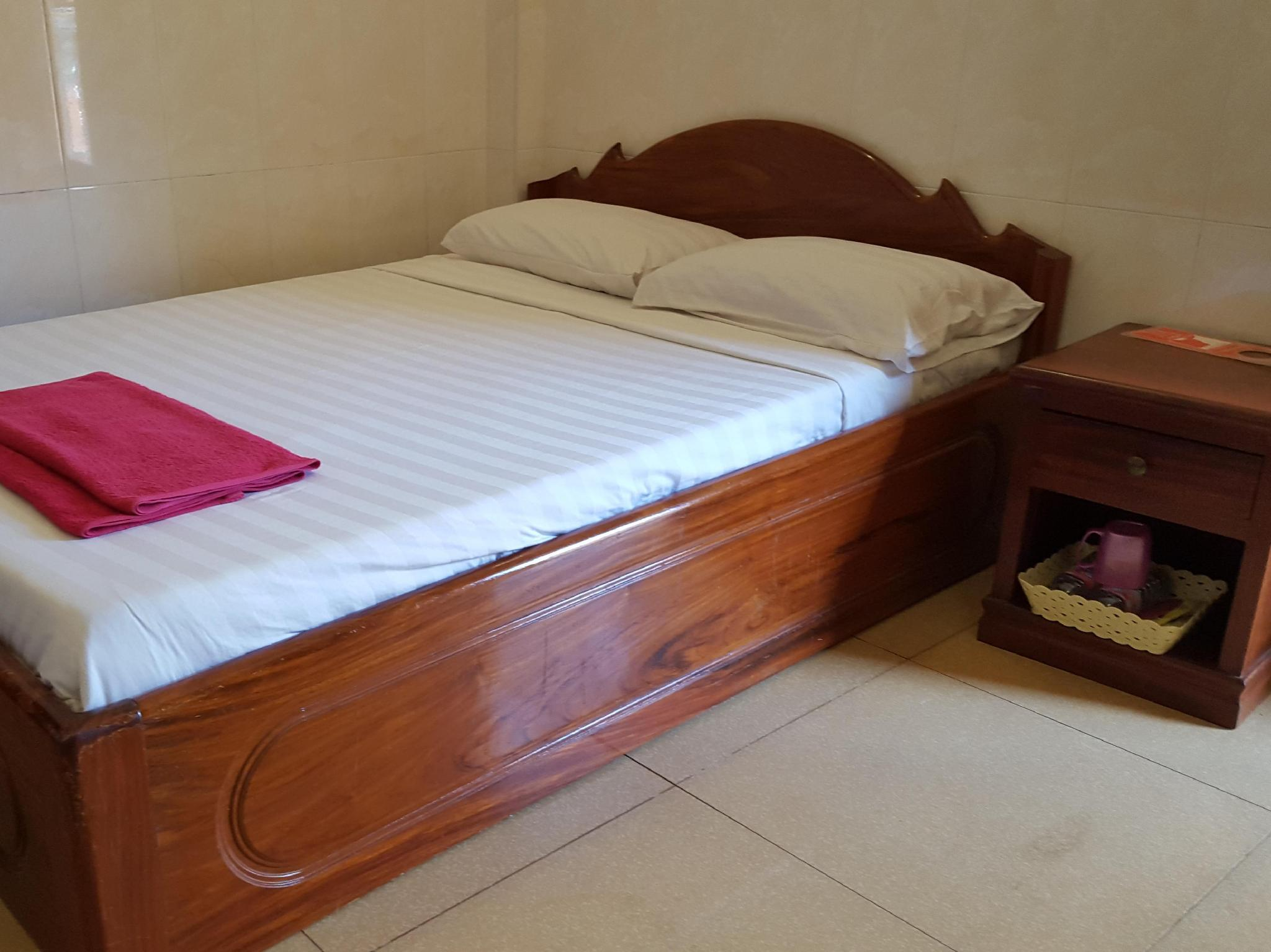 Katil Double Termasuk Kipas (Double Bed with Fan)