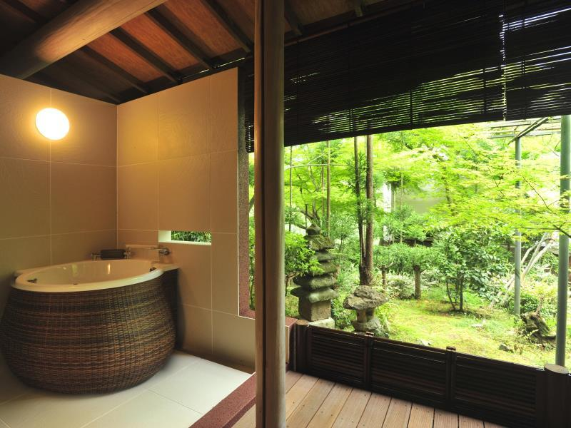 Deluxe Room with Open-Air Bath