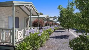 Lake Hamilton Motor Village and Caravan Park