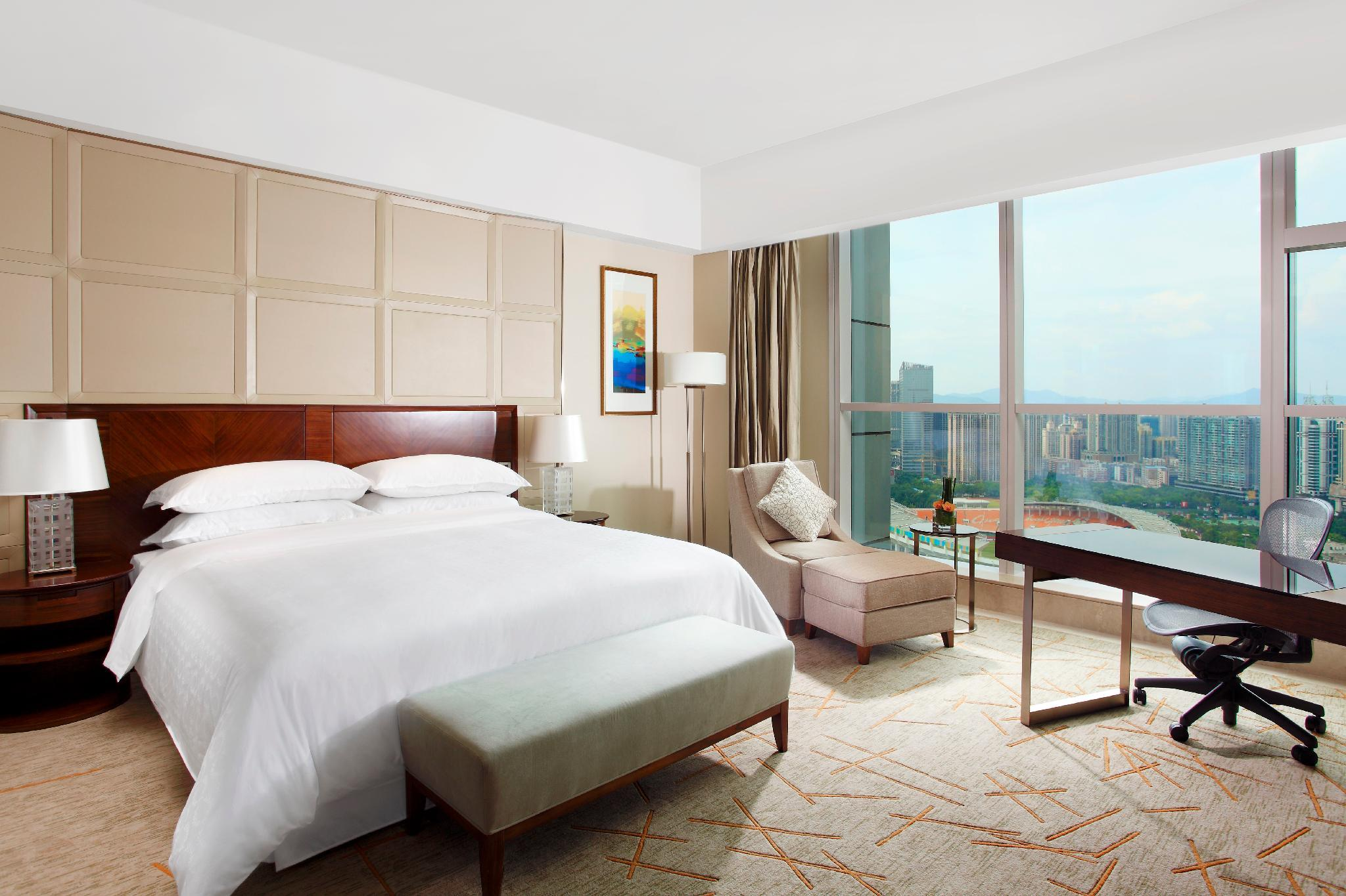 Superior, Guest room, 1 King, City view