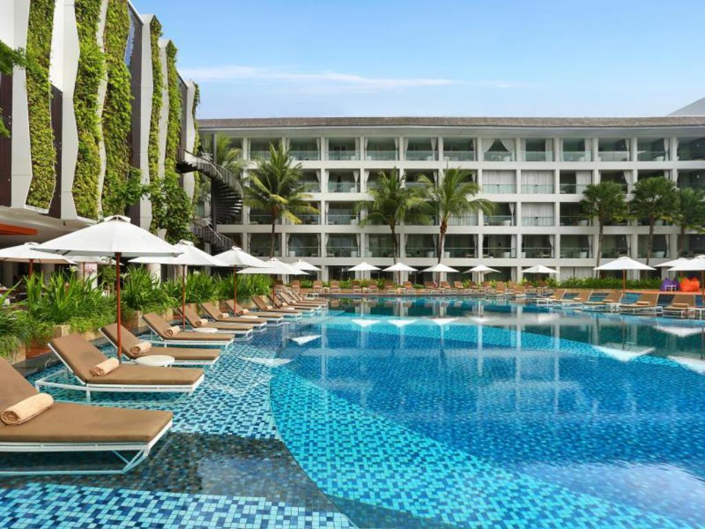 Swimming pool [outdoor] The Stones Hotel - Legian Bali, Autograph Collection