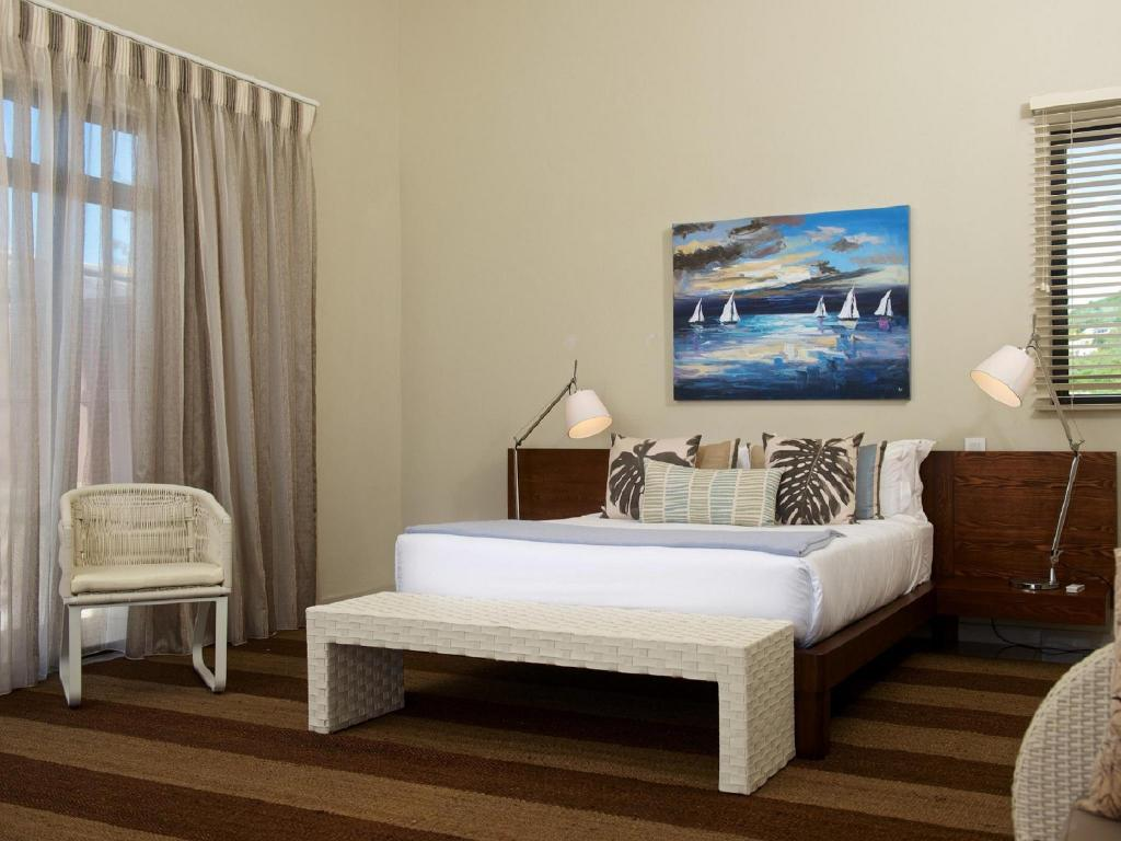 Beachfront Apartment - Bed Belle Crique Private Resort by Horizon Holidays
