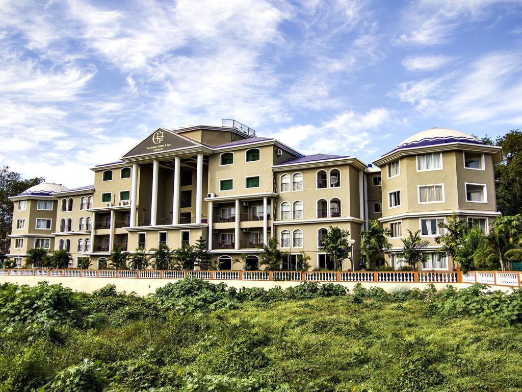 The Golden Suites Spa Calangute Hotel