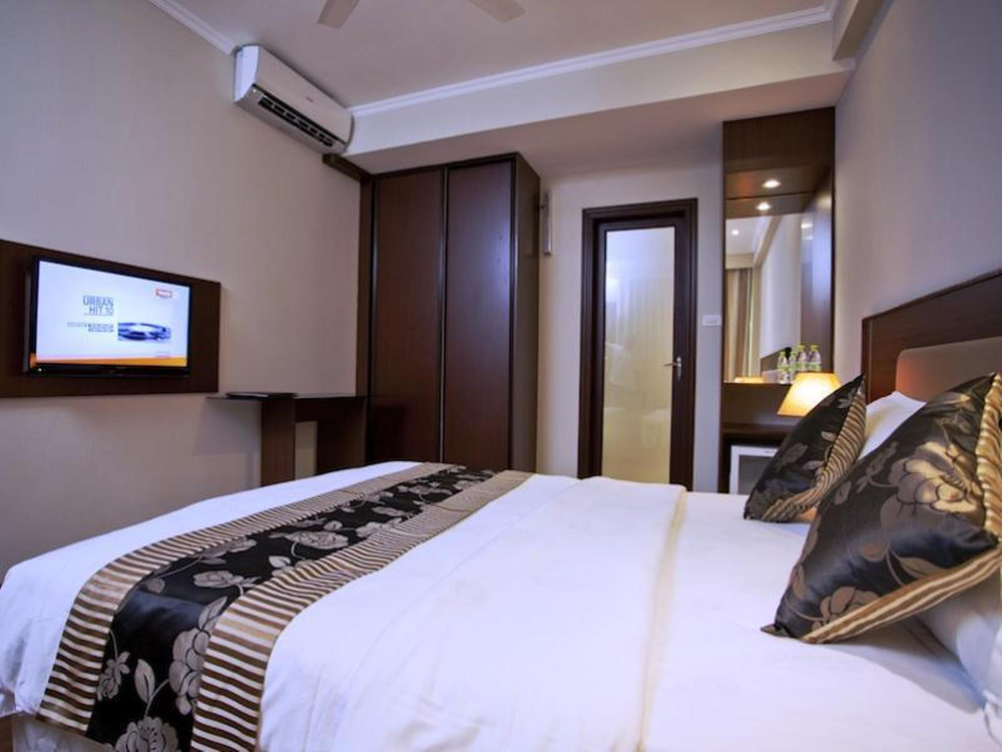 Deluxe Room with Balcony - City View