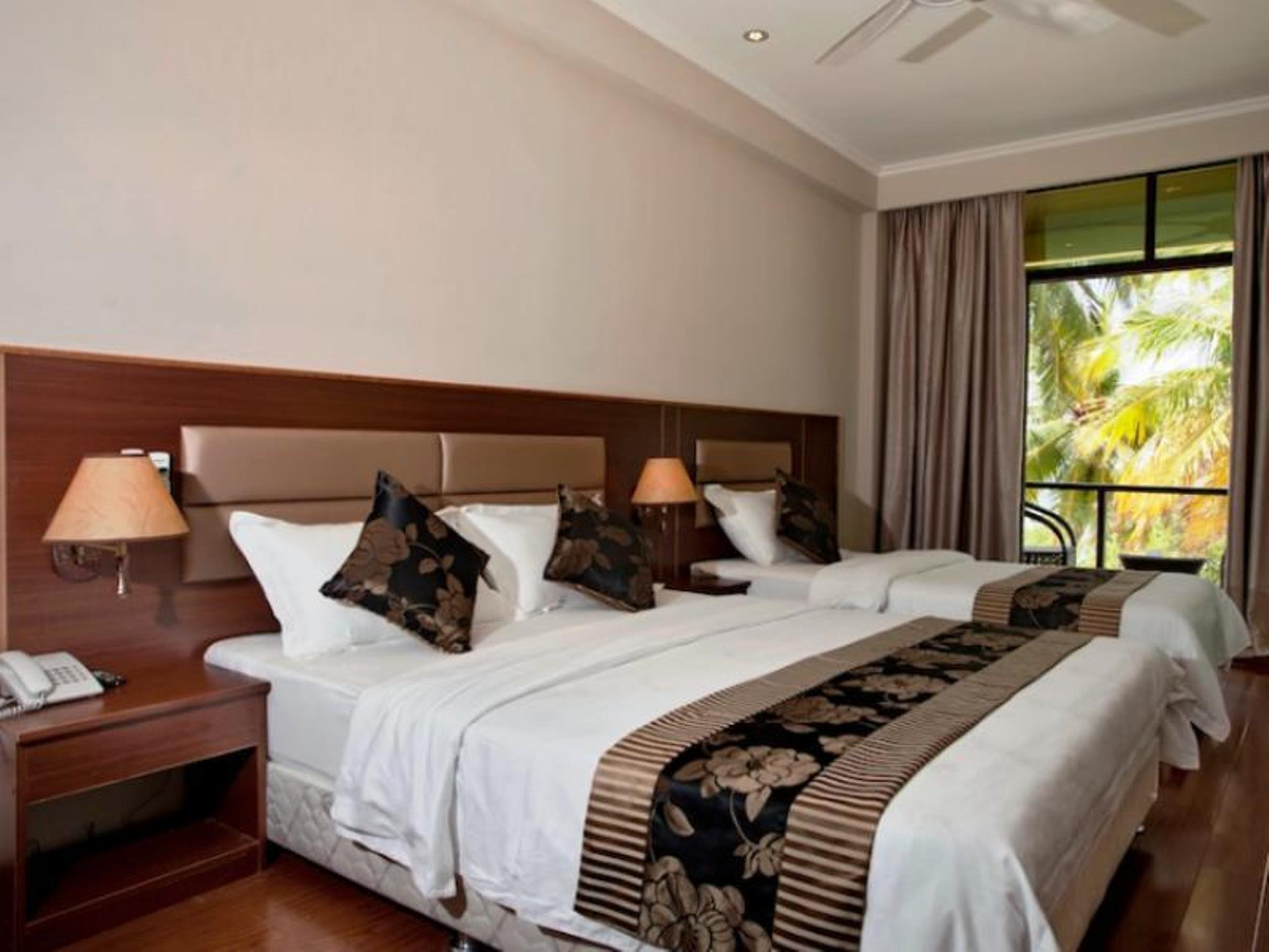 Deluxe Triple Room with Balcony - Sea View