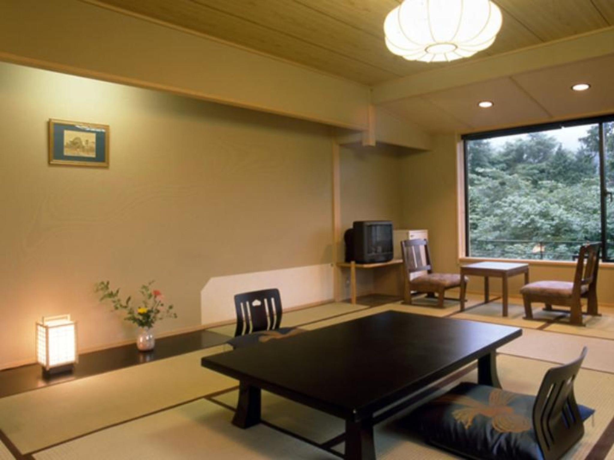 和室(4名・プライベートバスルーム) (Japanese Style Room for 4 People with Private Bathroom)