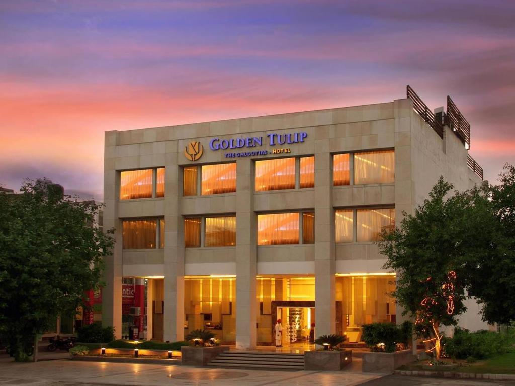 Golden Hotel Restaurant Review
