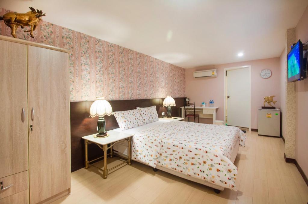 BH Business Hotel in Bangkok - Room Deals, Photos & Reviews