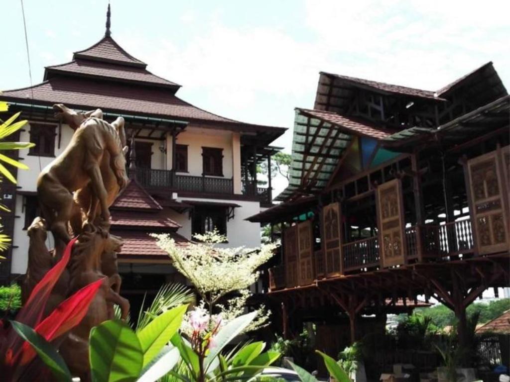 Villa Warisan J A