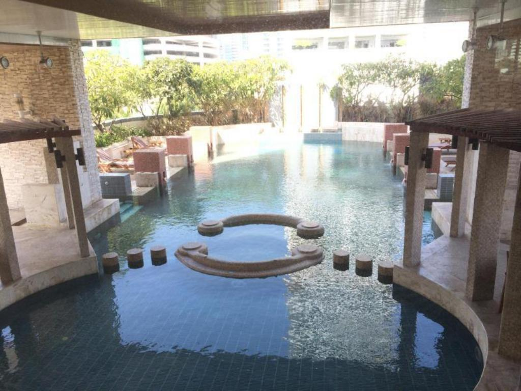 Best Price on Grand 39 Tower Serviced Apartment in Bangkok + Reviews