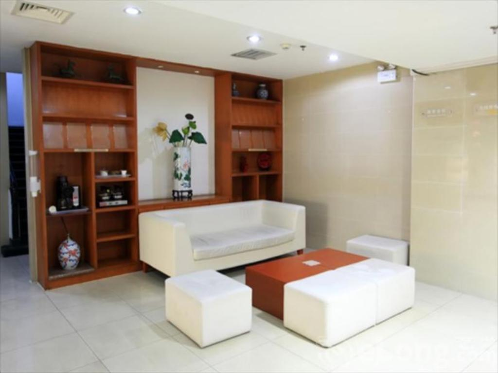 Interior view Hanting Hotel Beijing Xizhimen Exhibition Center Branch