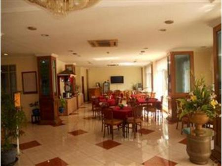 Interior view Hotel OGH Doni