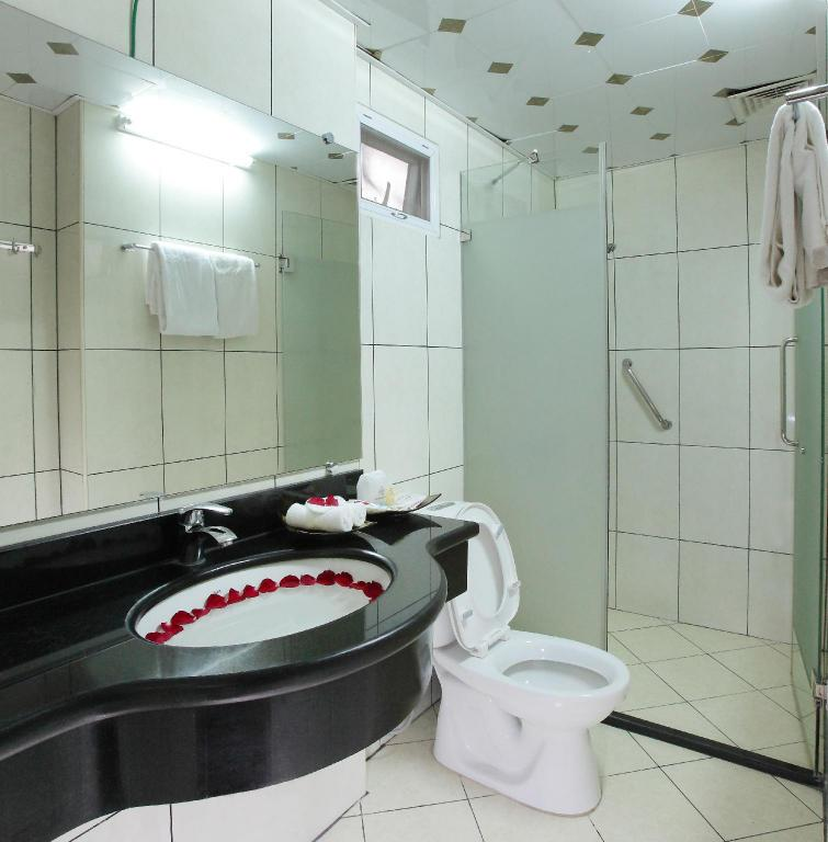 Standard Double - Bathroom Hoa Hong Hotel 2 - Xa Dan
