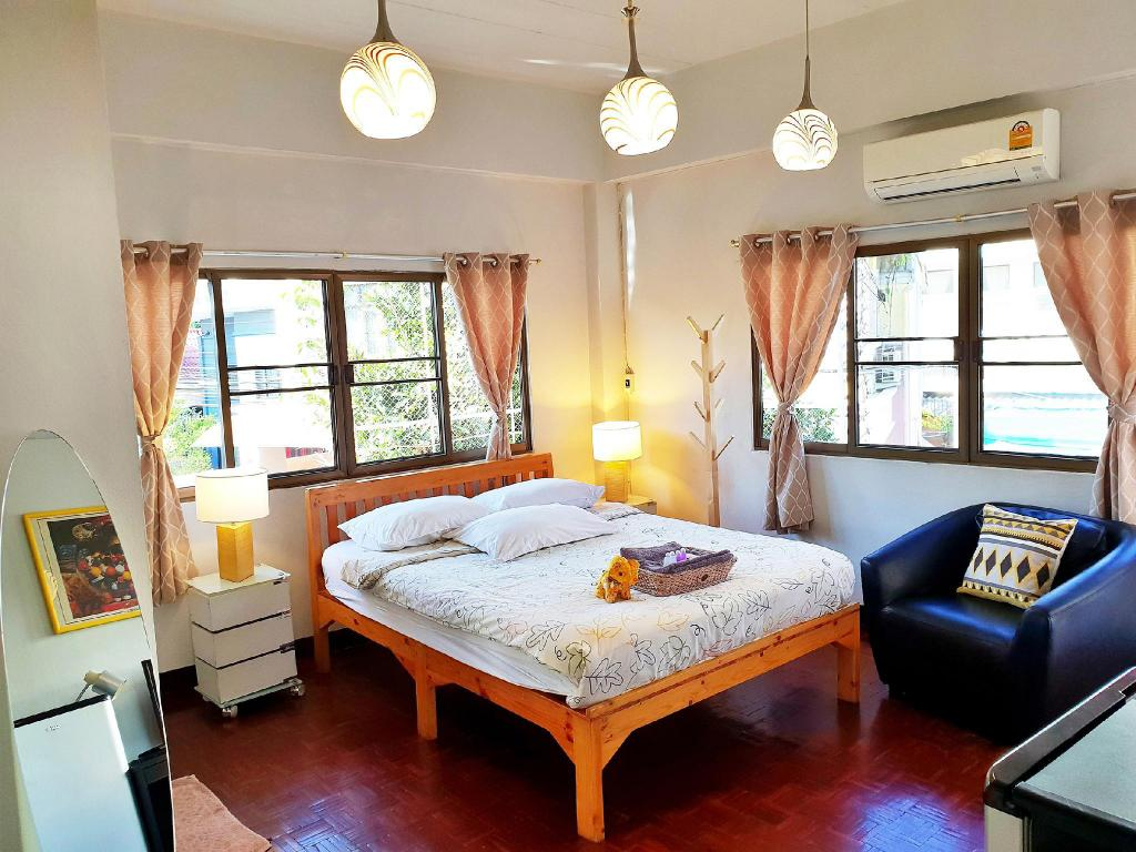 Standard Air Conditioning - Bedroom Bed and Terrace Guesthouse