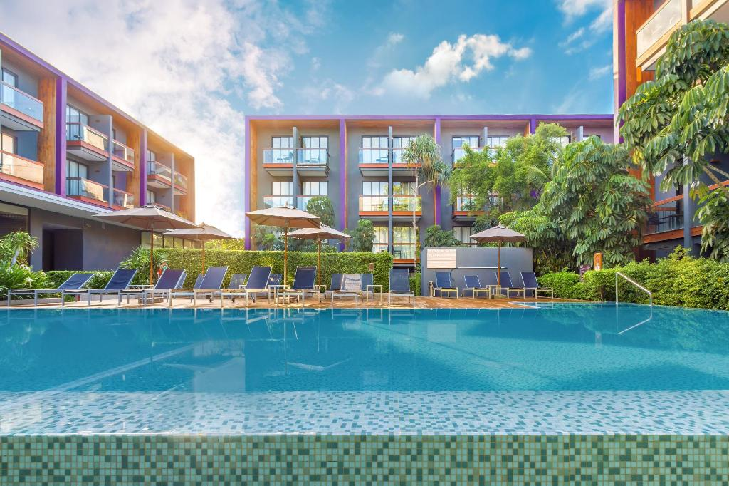 More about Holiday Inn Express Phuket Patong Beach Central