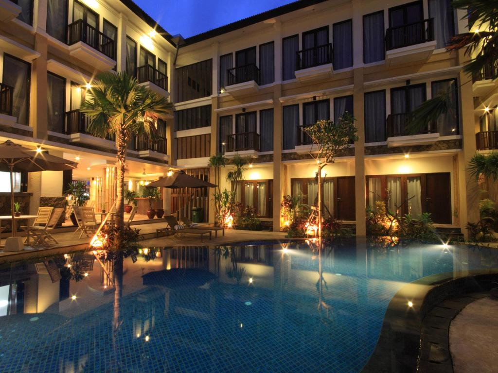 Piscina Suris Boutique Hotel