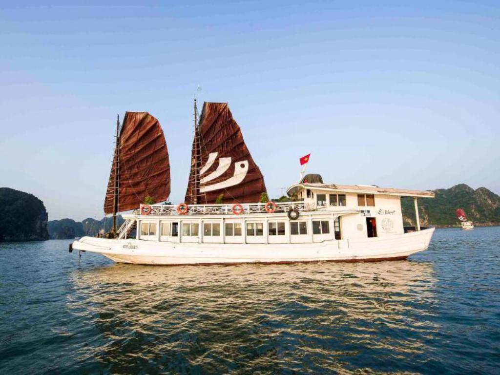 Private 2 Cabin Legend Cruise - 2 Days 1 Night Legend Halong Private Cruise - Managed by Bhaya Cruise