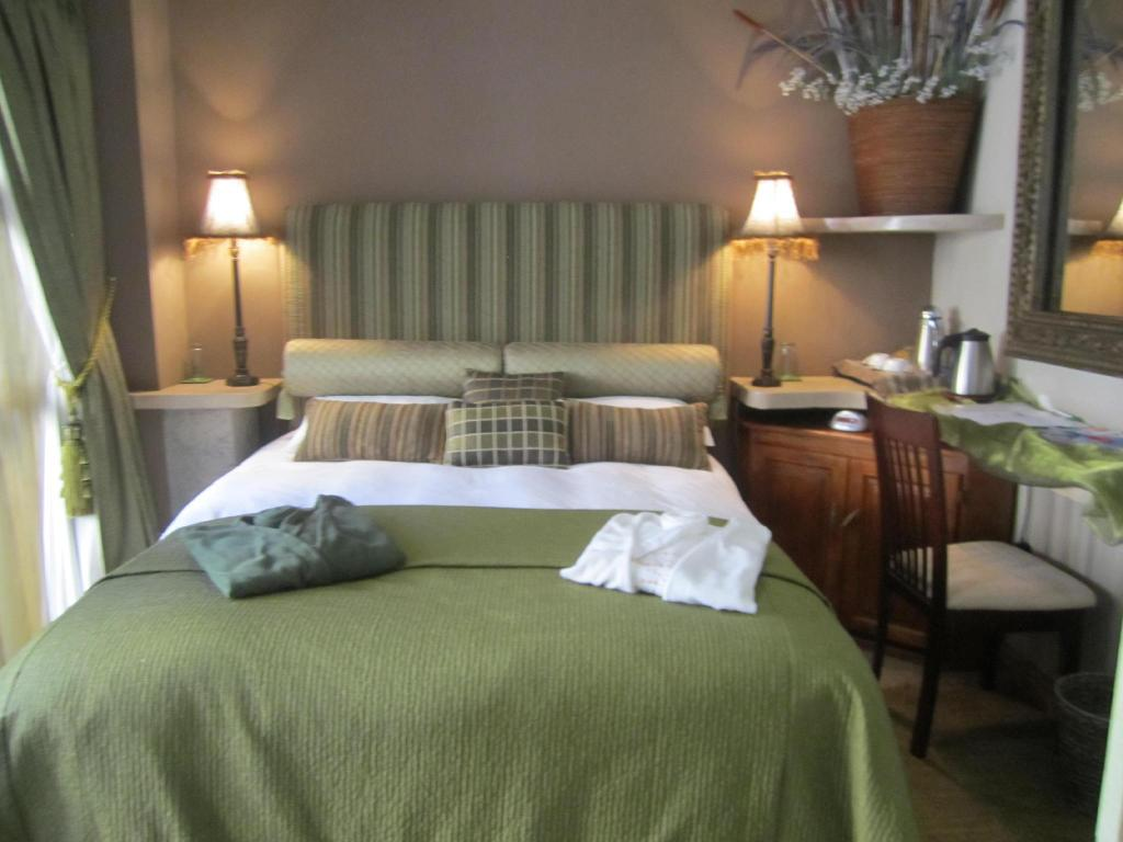 Suite 2 Chanel Double - Bed Kumbaya House West Beach Cape Town Non-Self-Catering Establishment