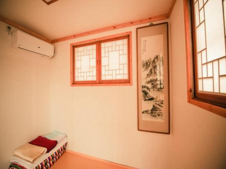 Korean Style Double Room with Shared Bathroom Bukchonmaru Hanok Guesthouse