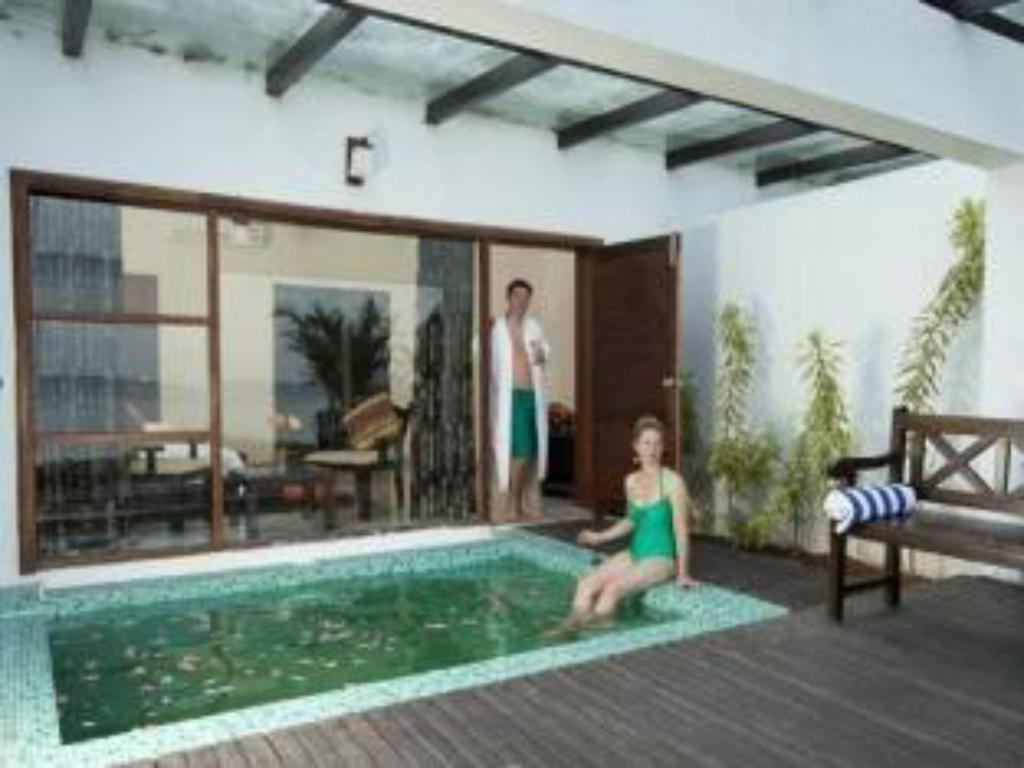 Villa with Plunge Pool
