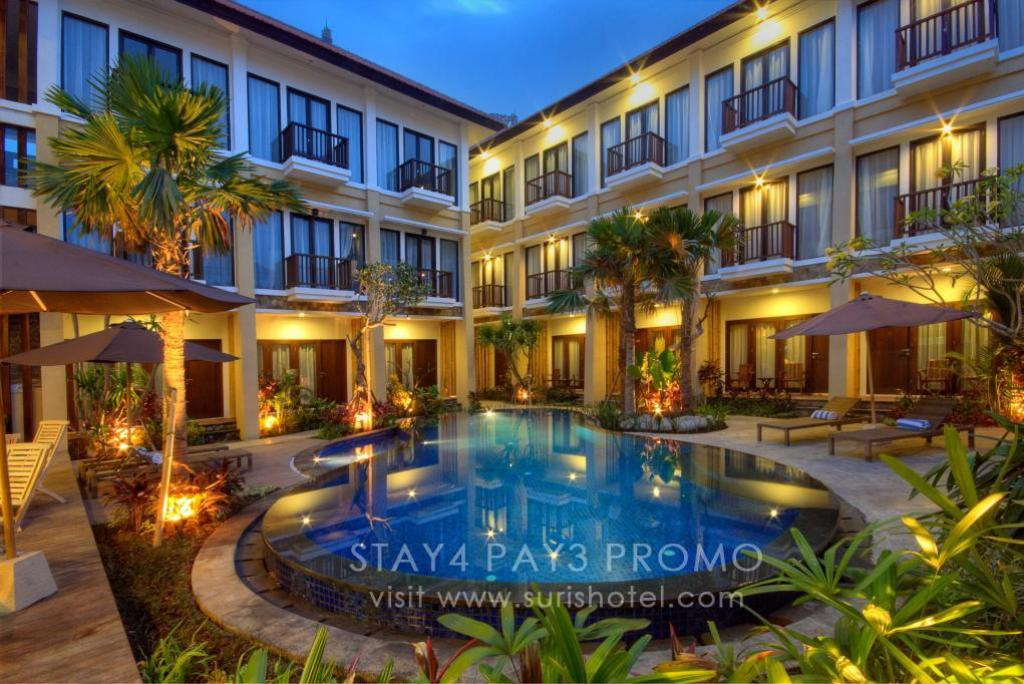 Swimming pool [outdoor] Suris Boutique Hotel