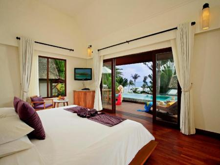 Deluxe Pool Villa Ocean View - Bed Centara Villas Samui