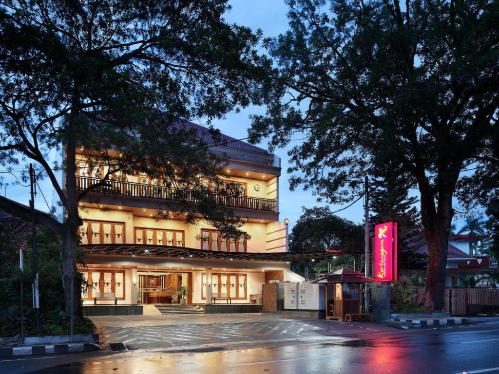 More about Kertanegara Premium Guest House