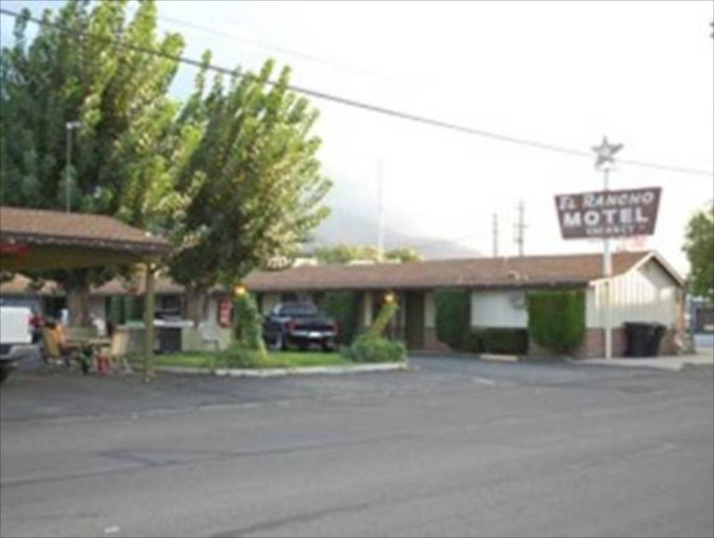 More about El Rancho Motel