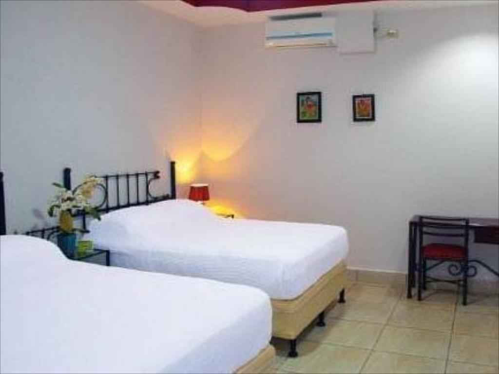 Double Room with Two Double Beds Executive Managua